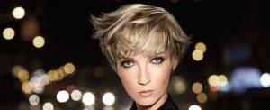 Haarschnitt kurz in Blond